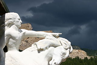 Crazy horse w marble model_2015