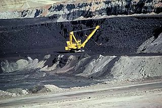 350px-Coal_mine_Wyoming