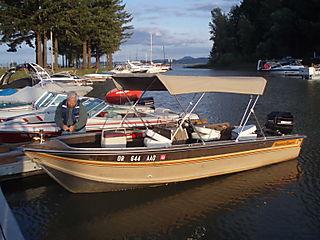 Boat at fern ridge lake 024