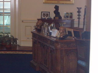 Clinton oval office rep 37