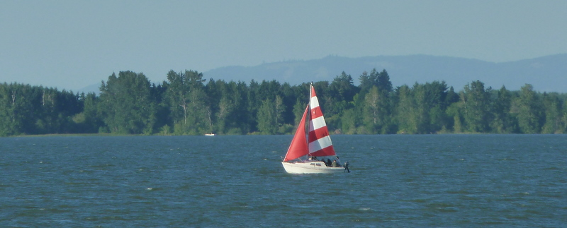 Red sailboat2