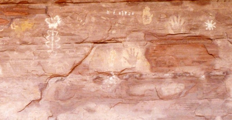 P1060151 pictograph2
