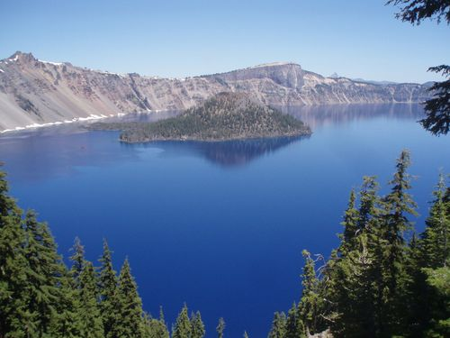 Crater lake wiz island 038