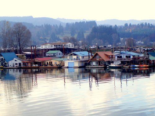 Float houses