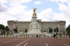 Buck_palace_queen_vic2