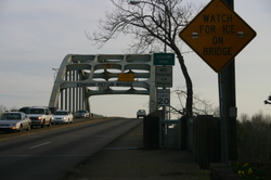 Edmund_pettis_bridge_0665