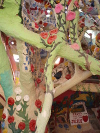 Tree_in_dome_10005