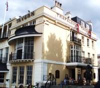 Trafelgar_tavern_2